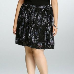 Torrid Floral Lace Pleated Skater Skirt Plus 4X